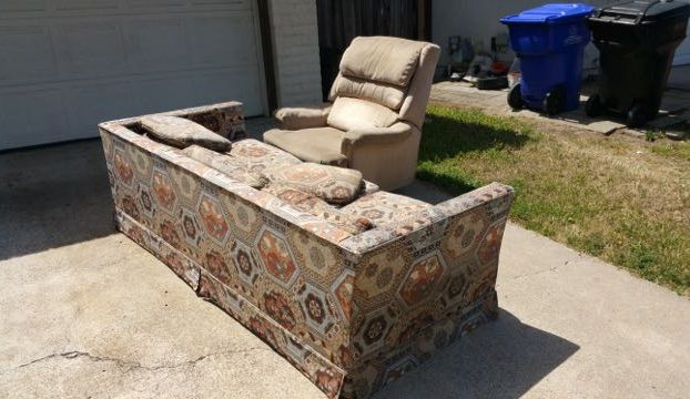 couch and chair junk removal