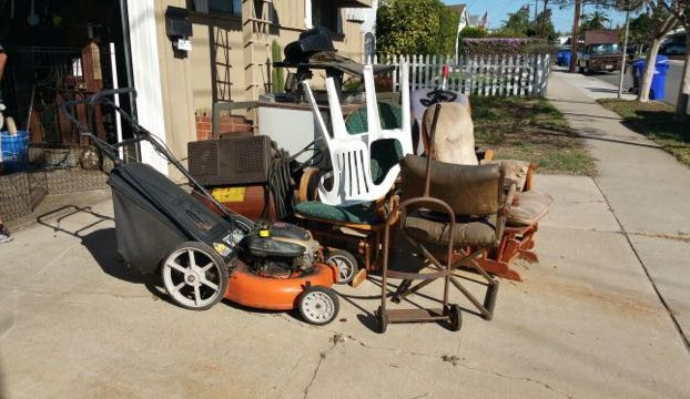 $99 junk removal in driveway