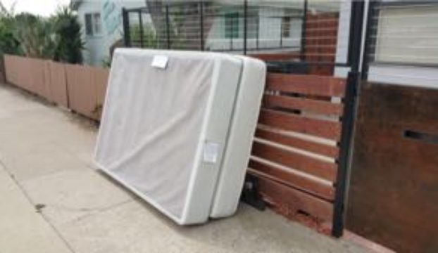 Curbside Mattress Removal – San Diego