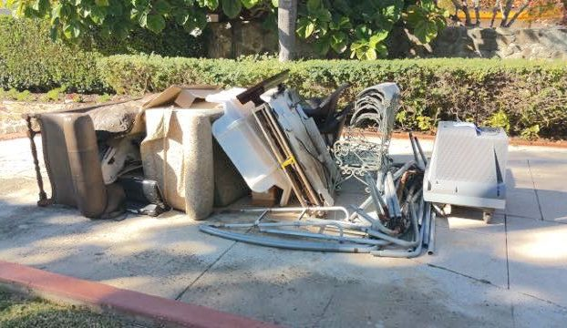 curbside 1-2 truck load junk and furniture removal