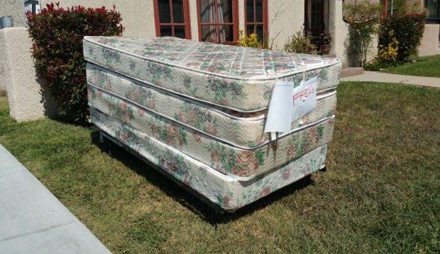 freds junk removal junk mattresses