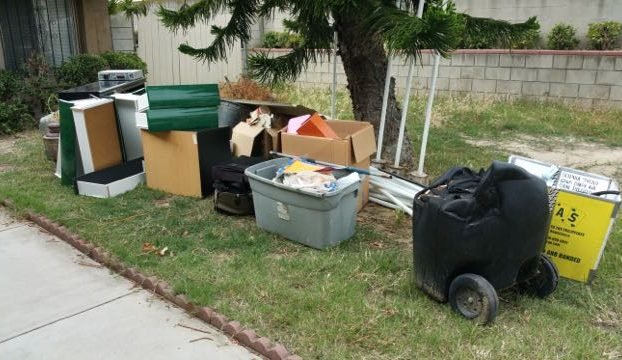 junk removal front yard 99
